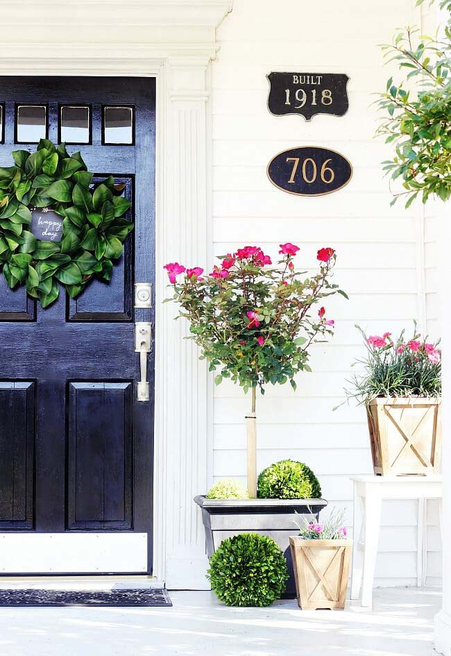 Topiary Porch Planter Ideas #diy #planter #porch #decorhomeideas