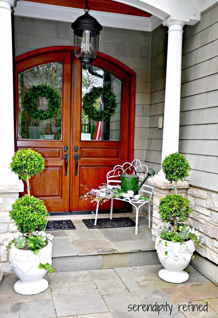 Topiary Trees in Small Footed Planters #diy #planter #porch #decorhomeideas