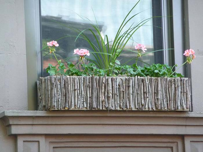 Twigs and Branches Window Box #planter #box #window #decorhomeideas