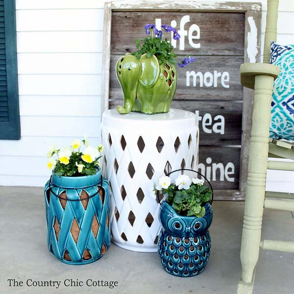 Using Lanterns as Planters #diy #planter #porch #decorhomeideas