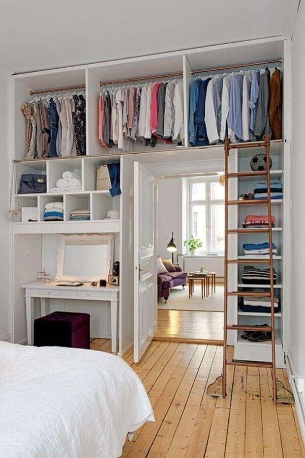 The Walls Become Your Closet #bedroom #small #design #decorhomeideas