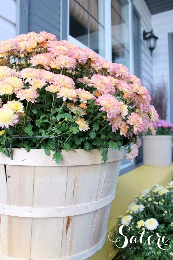 Whitewashed Barrel Planter #diy #planter #porch #decorhomeideas