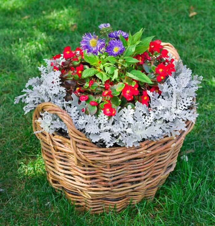 Wicker Basket Flower Planter #garden #container #planter #decorhomeideas
