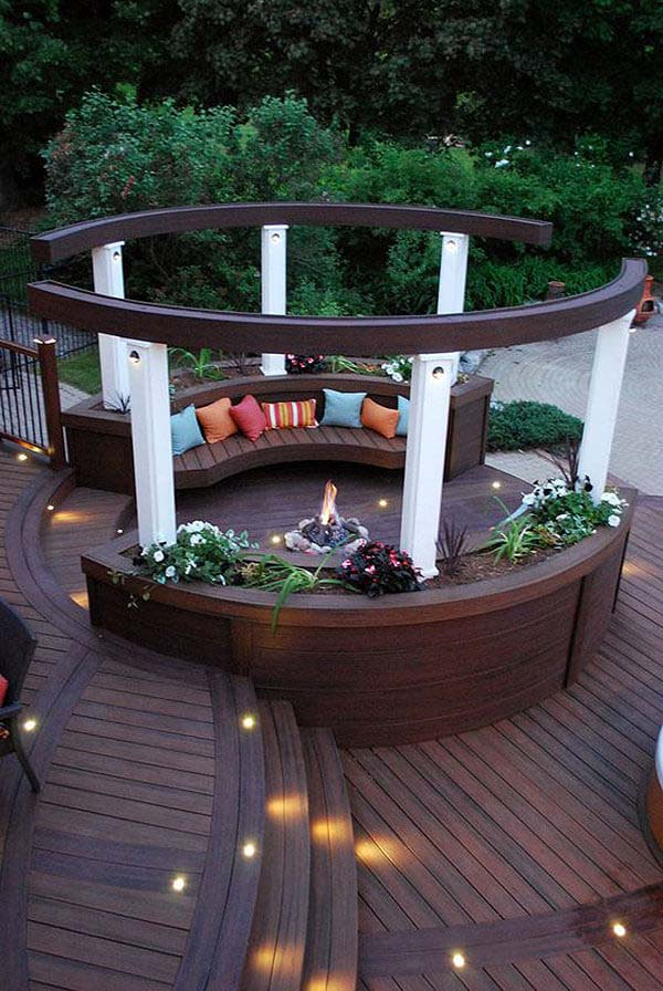 Wooden Bench Planters with an Enclosed Firepit #diy #round #firepit #decorhomeideas