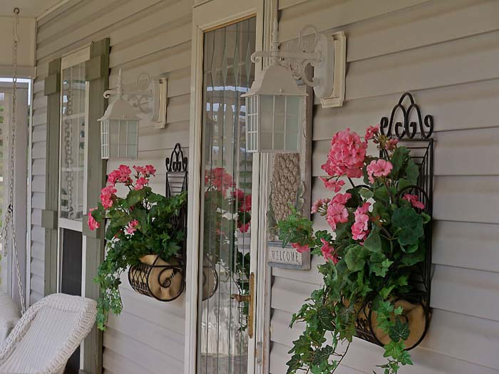 Wrought Iron Wall Planters #diy #planter #porch #decorhomeideas