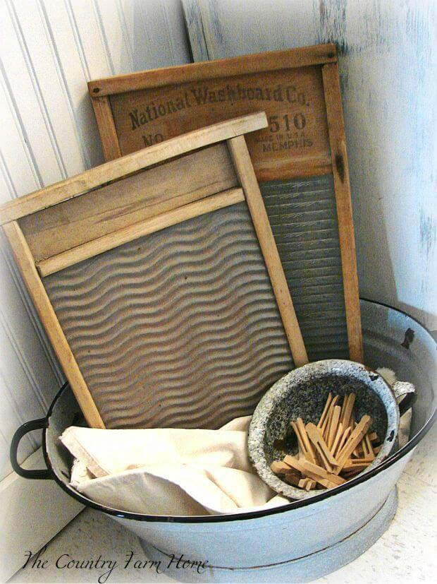 Antique Washboard and Tub Decoration #small #entryway #decor #decorhomeideas
