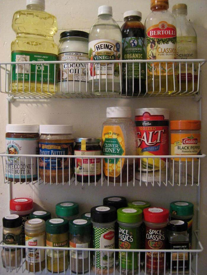 Back Door Shelving for Jars #pantry #storage #organization #decorhomeideas