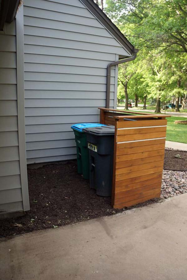 Basic Cedar Screen For Hiding Bins #outdoor #hiding #ideas #decorhomeideas