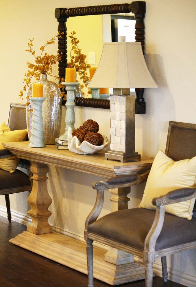 Chateau Balustrade Entry Table Decor #entry #table #decorhomeideas