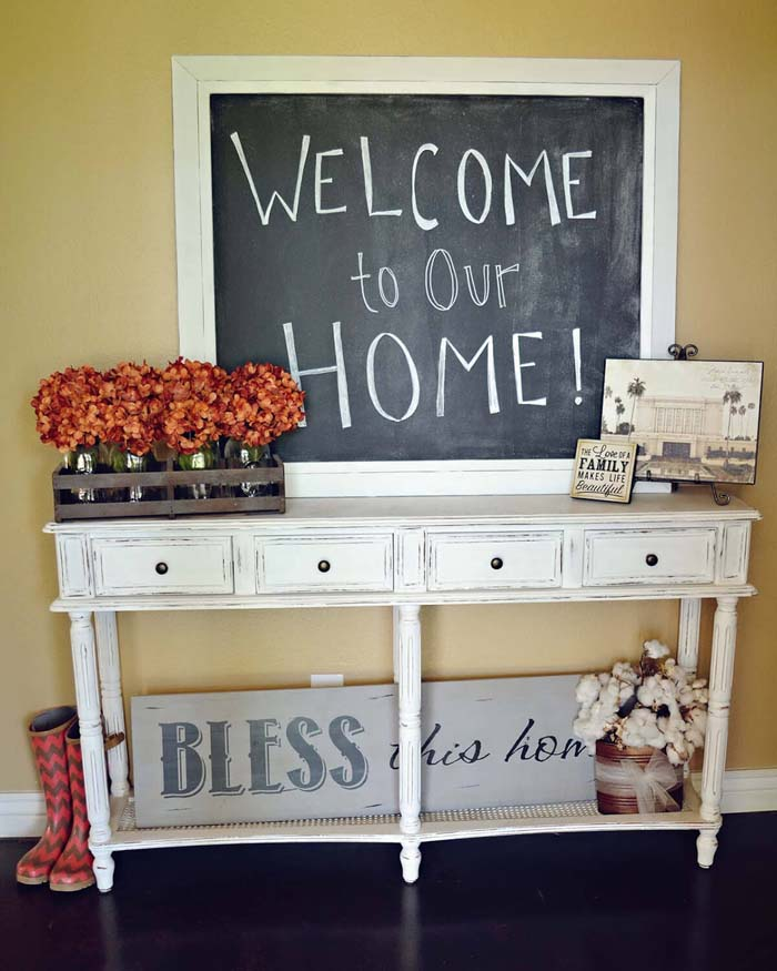 Cheerfully Distressed Chic Entry Table #entry #table #decorhomeideas