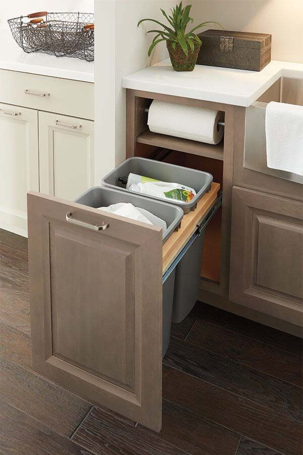 Custom Pull Out Kitchen Garbage Pails #hideaway #projects #decorhomeideas