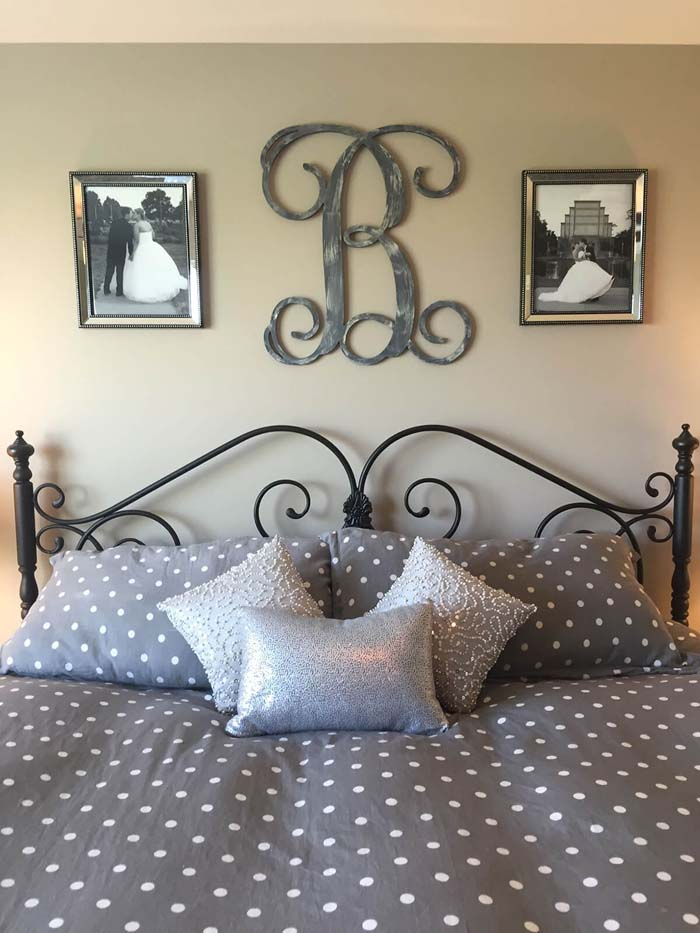 Family Initial Established in Pictures #bedroom #wall #decor #decorhomeideas
