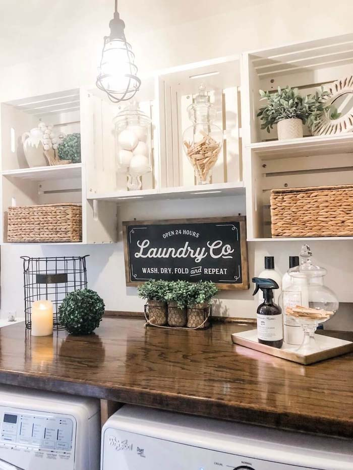 Farmhouse Laundry Room Makeover #laundry #vintage #decor #decorhomeideas