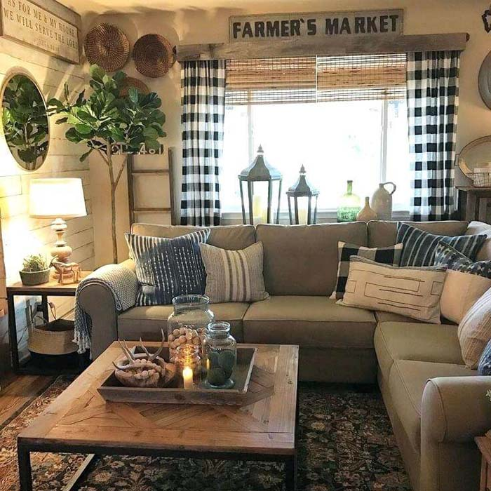 Inviting Farmhouse Living Room with Buffalo Plaid #livingroom #design #decorhomeideas