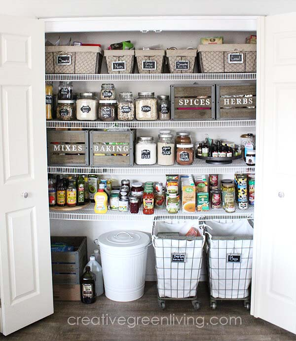 Farmhouse Style Pantry Organization Makeover #pantry #storage #organization #decorhomeideas