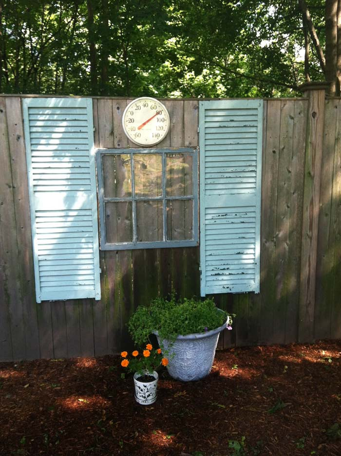 Fence Decor with Shutters and Old Windows #shutter #repurpose #decor #decorhomeideas
