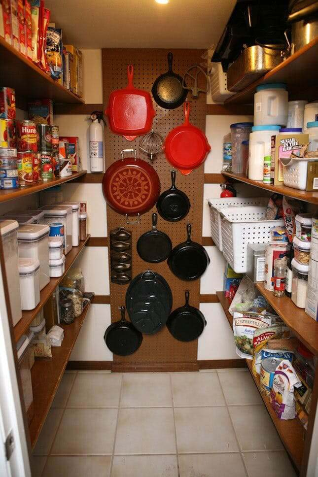 Hanging Pegboard for your Pans #pantry #storage #organization #decorhomeideas