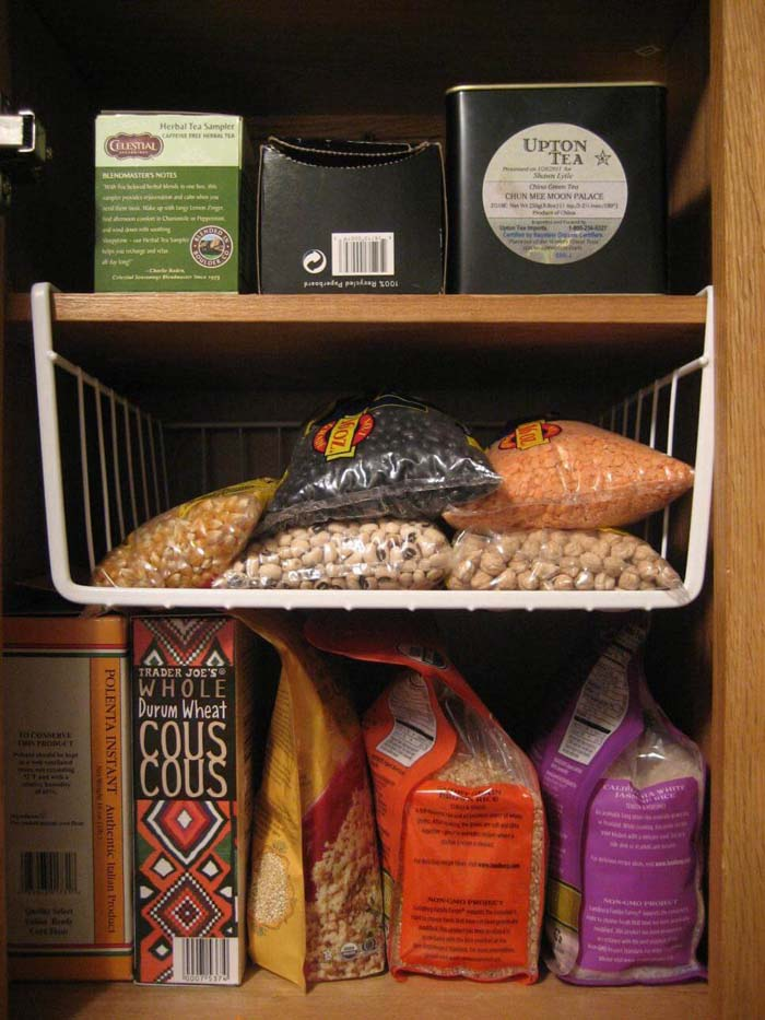Hanging Wire Shelves for Beans #pantry #storage #organization #decorhomeideas