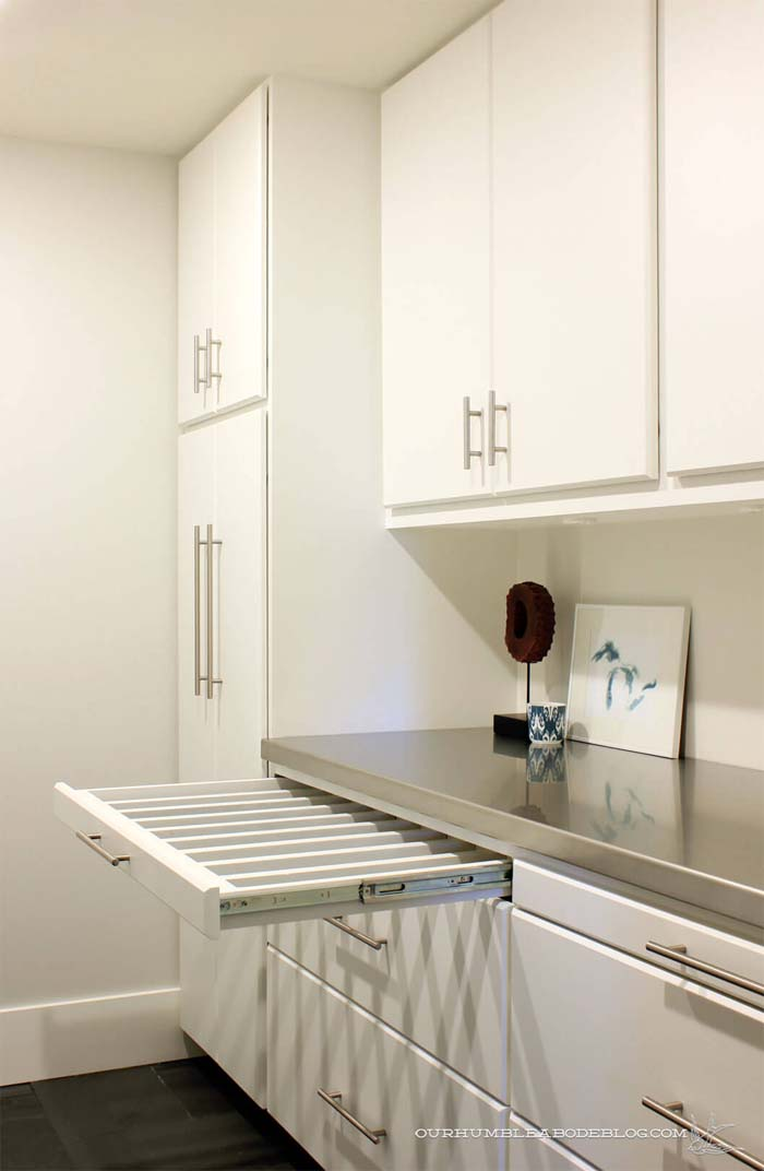 Hideaway Laundry Room Clothes Drying Racks #hideaway #projects #decorhomeideas