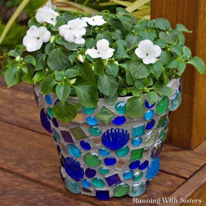 How To Make a Mosaic Terra Cotta Pot #flowerpot #clay #garden #decorhomeideas