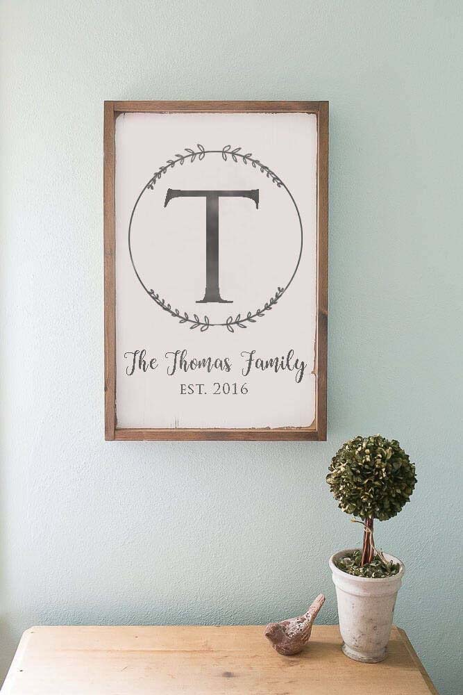 Initial Letter Sign with Leaf Circle #farmhouse #sign #decorhomeideas