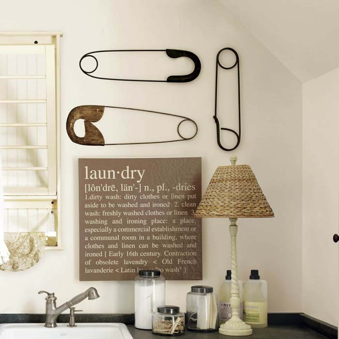 Laundry Dictionary Definition and Giant Pins Art #laundry #vintage #decor #decorhomeideas