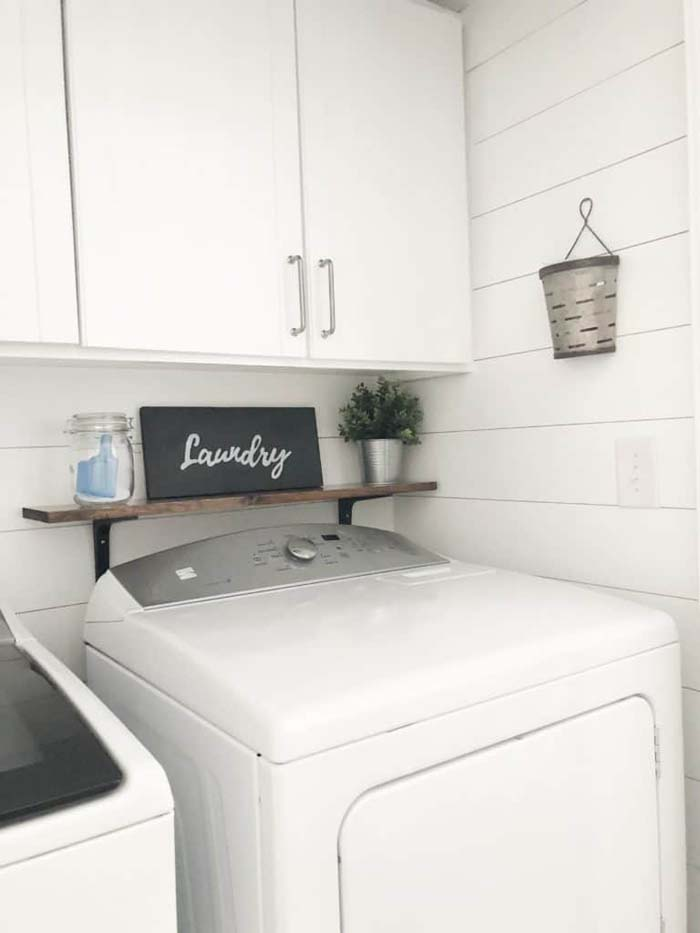 Light and Bright Laundry Room Redecoration #laundry #vintage #decor #decorhomeideas