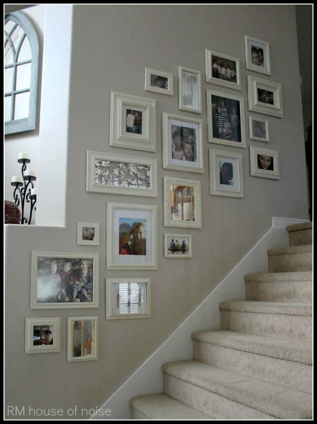 Matching Cream Frames Create an Elegant Effect #wall #gallery #decor #decorhomeideas