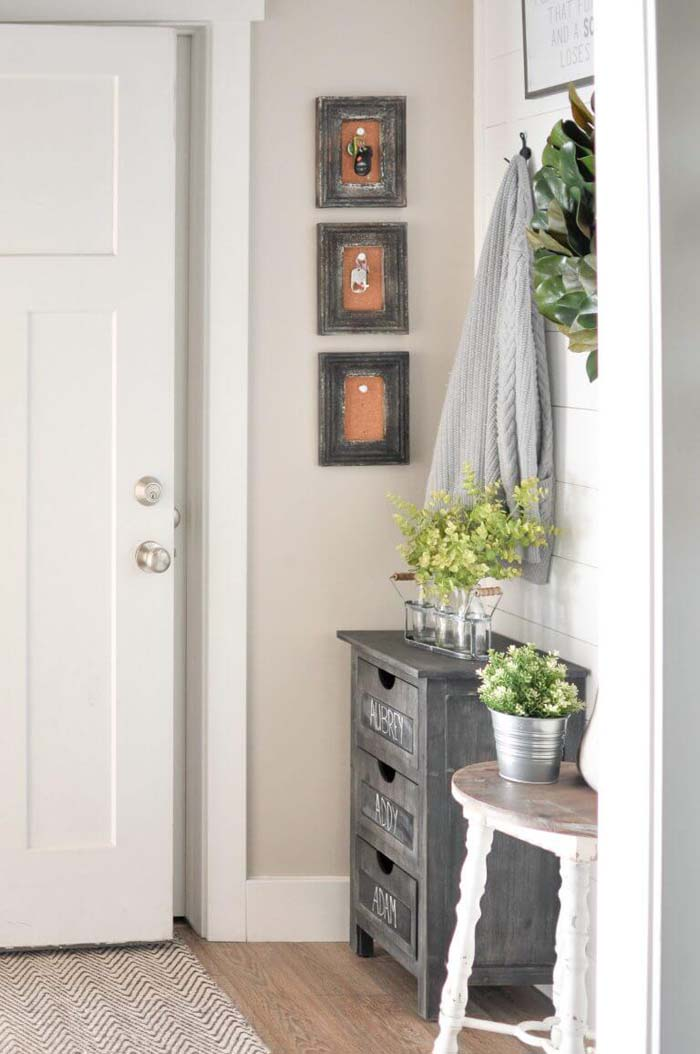 Planters on Three Drawers and a Bench #small #entryway #decor #decorhomeideas