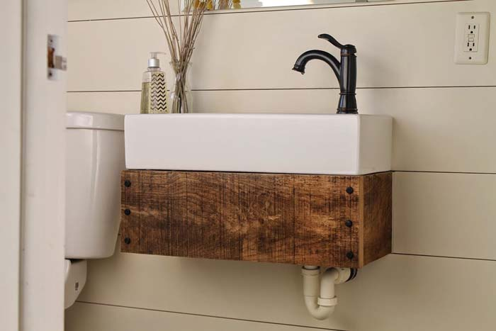 Reclaimed Wood Floating Vanity #reclaimed #wood #projects #decorhomeideas