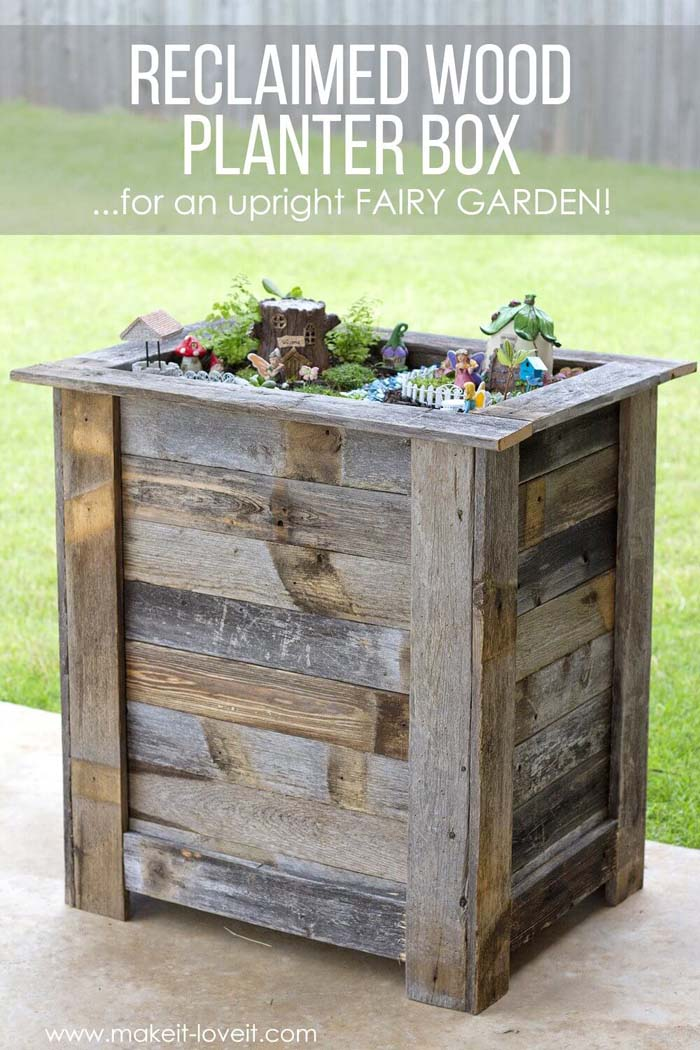 DIY Reclaimed Wood Planter Box #reclaimed #wood #projects #decorhomeideas