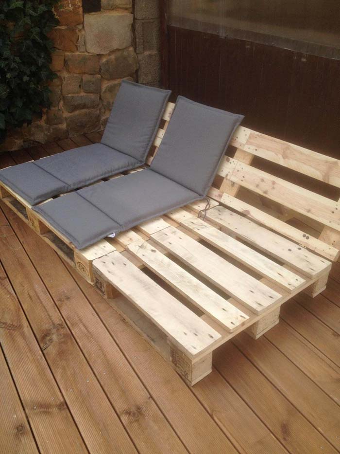 Reclining Seats for Your Patio or Deck #pallet #garden #furniture #decorhomeideas