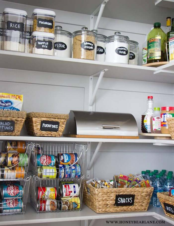 Seagrass Bins with Chalkboard Labels #pantry #storage #organization #decorhomeideas