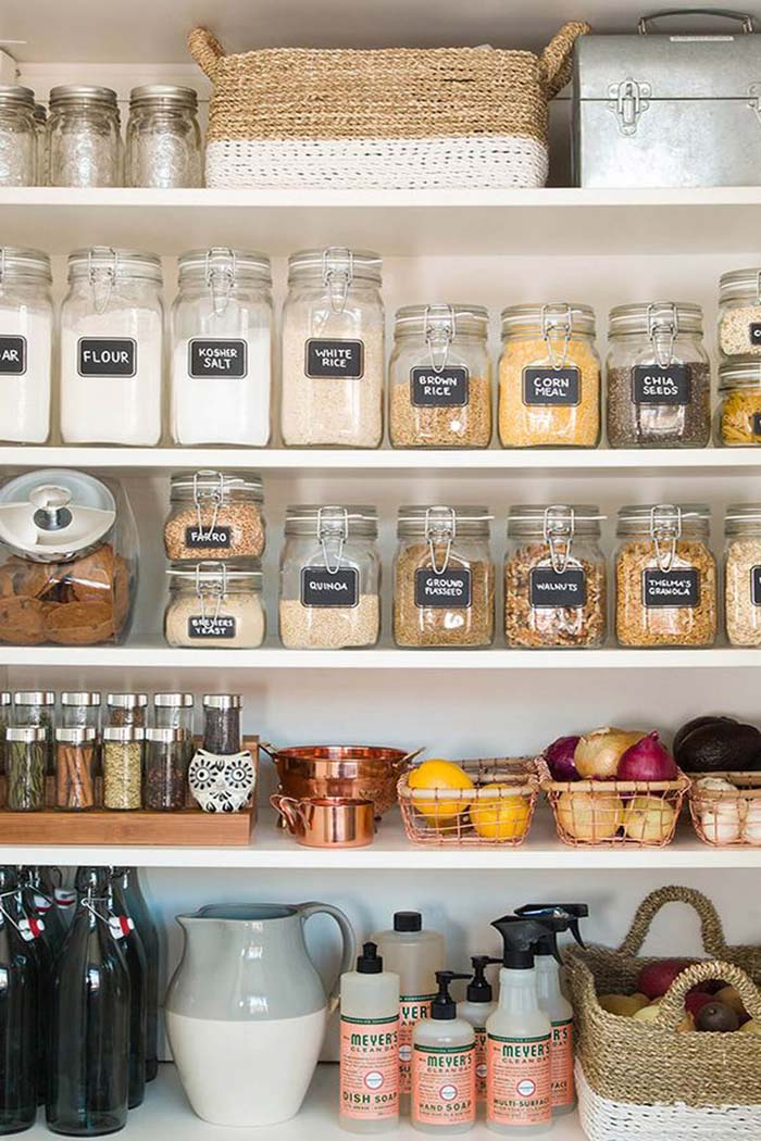 Sealing Jars with Chalkboard Labels #pantry #storage #organization #decorhomeideas