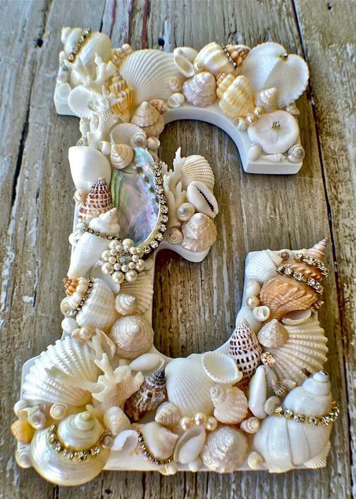 Seashell Covered Letters #diy #seashell #decor #decorhomeideas