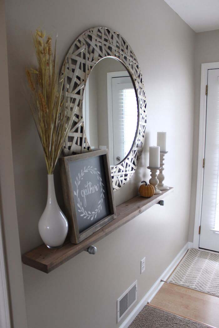 Shabby Chic Wooden Runner Entry Table Idea #entry #table #decorhomeideas