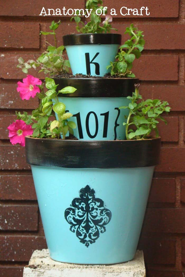 Stenciled Clay Pots with Initial and Number #flowerpot #clay #garden #decorhomeideas