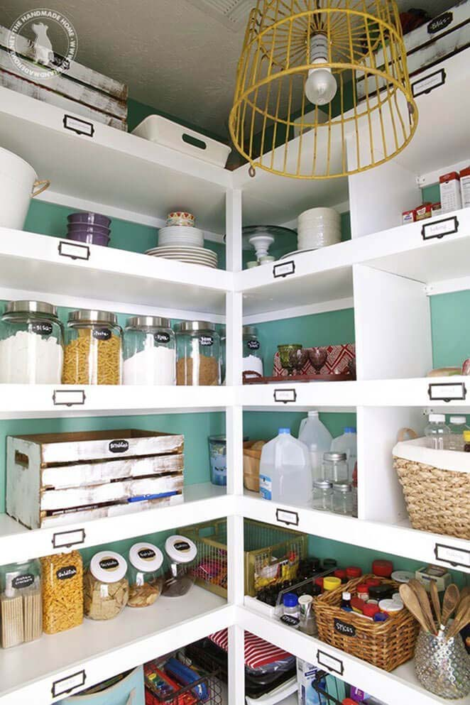 White Shelves with Chalkboard Labels #pantry #storage #organization #decorhomeideas