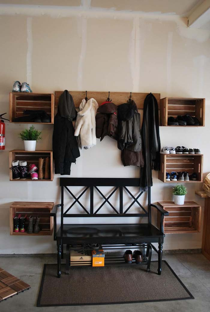 Bench Centerpiece In A Symmetrical Layout #storage #mudroom #organization #decorhomeideas