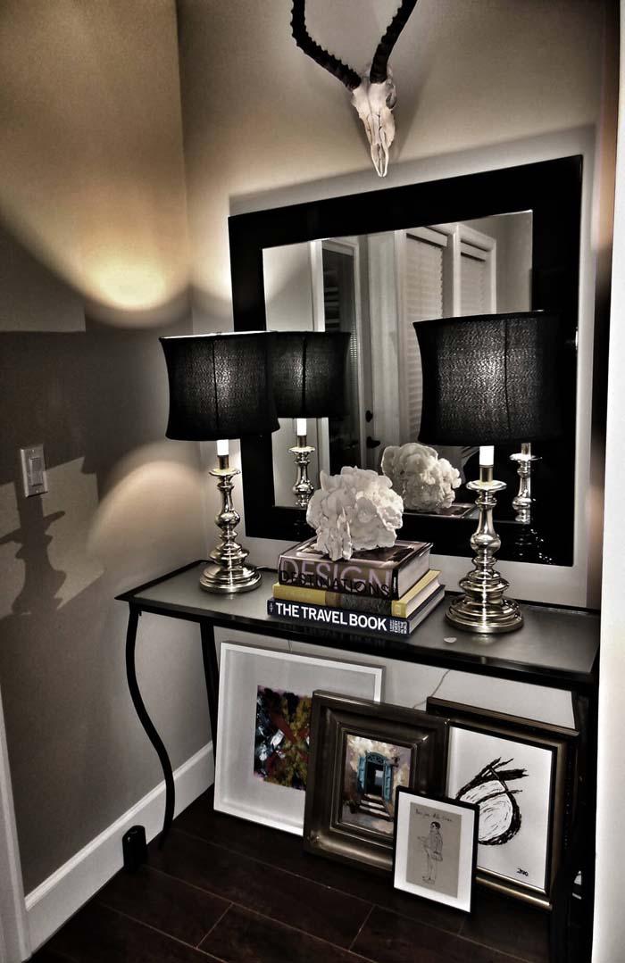 Black and White Decor Entryway Mirror #mirror #decoration #decorhomeideas