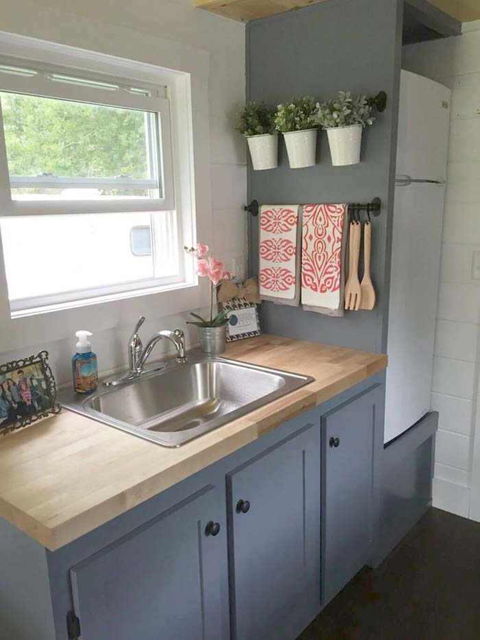 Bright  Crisp and Clean #small #kitchen #design #decorhomeideas
