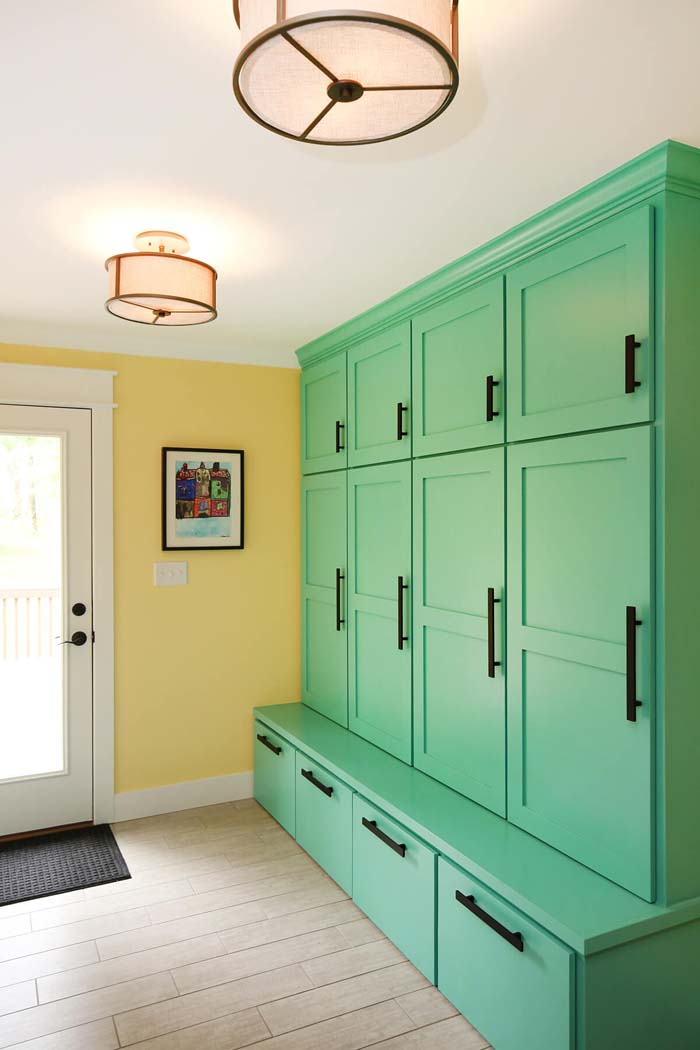 Bright Green Lockers And Built-in Bench #storage #mudroom #organization #decorhomeideas