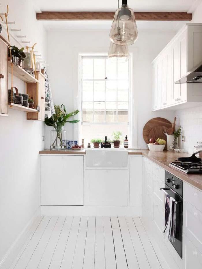 Bright White With Contrasting Woody Browns #small #kitchen #design #decorhomeideas