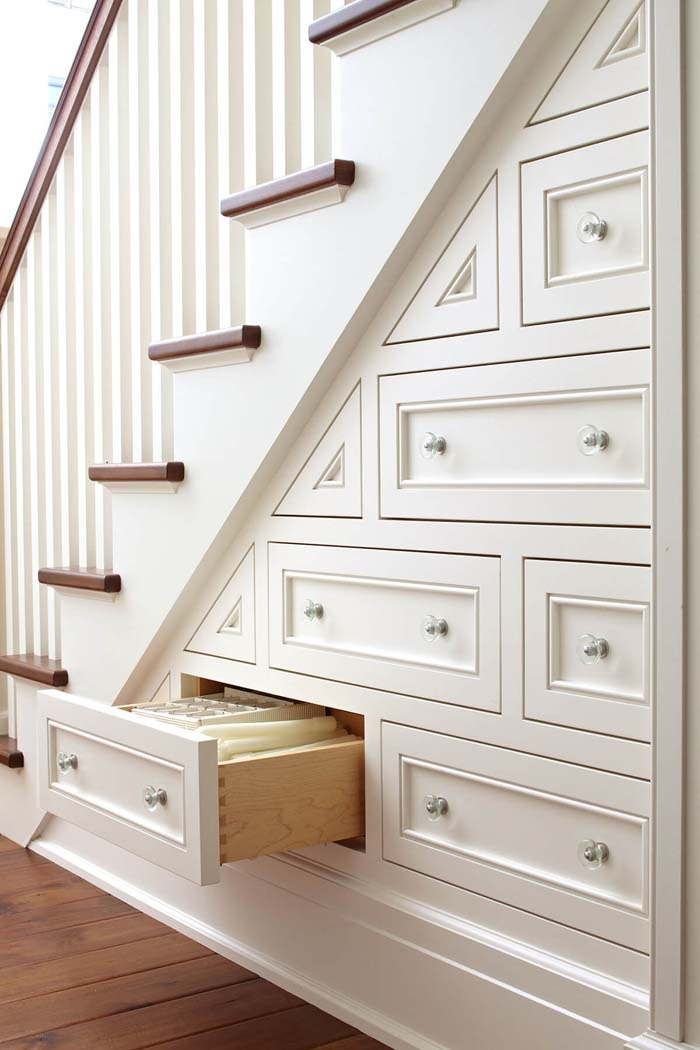 Built-in Staircase Chest of Drawers #spacesaving #storage #organization #decorhomeideas