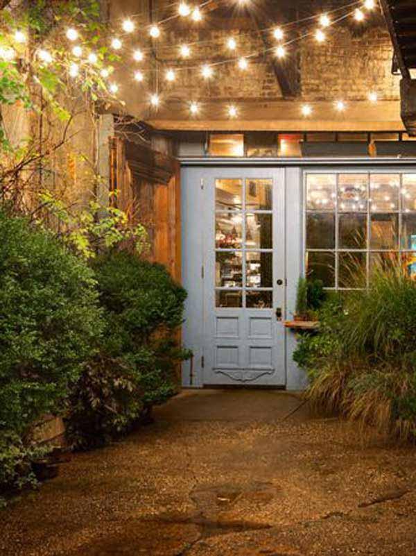 Charming Illuminated Entryway #stringlight #garden #yard #decorhomeideas