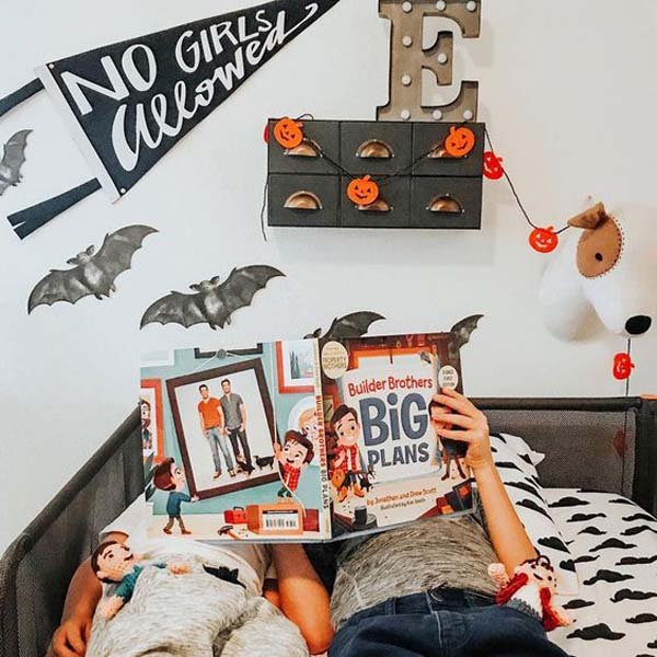 Cool Halloween Decor For Boys Bedroom #halloween #kidsroom  #nursery #decorhomeideas