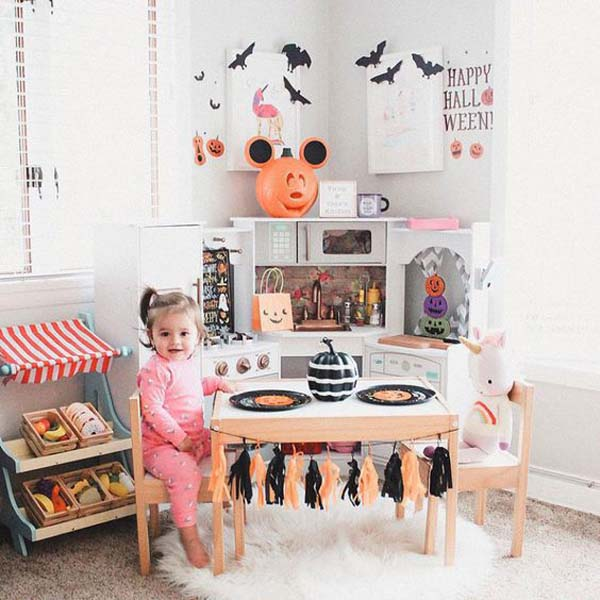 Corner Halloween Playroom Decor #halloween #kidsroom  #nursery #decorhomeideas