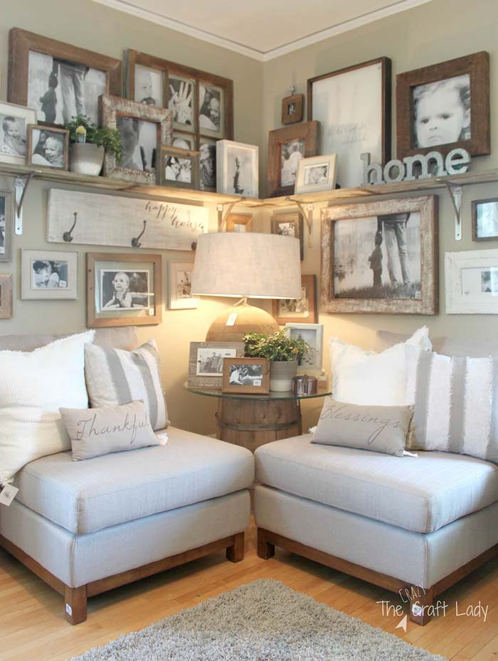 Corner Shelf Full of Family Photos #rustic #livingroom #walldecor #decorhomeideas
