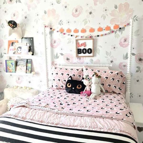 Cute Halloween Bedroom Ideas For Little Girl #halloween #kidsroom  #nursery #decorhomeideas