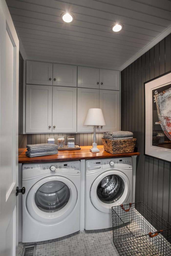 Dark but Not Dreary Laundry Room #laundryroom #small  #design #decorhomeideas